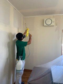 カビが発生しカビを死滅させないままクロスや天井を新品に張り替えても2年を待たずして再発してしまいお困りの家主様の悩みにお応えしました。